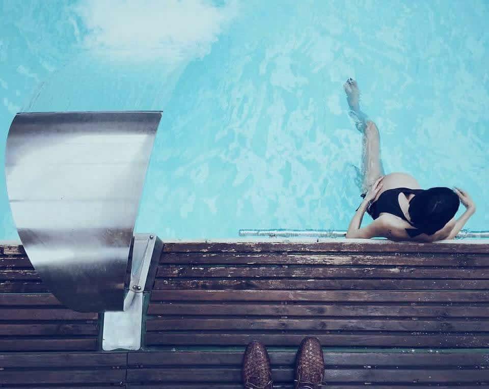 Hotel con piscina a bagno di romagna con acqua calda e idromassaggio - Spa con piscina in camera ...